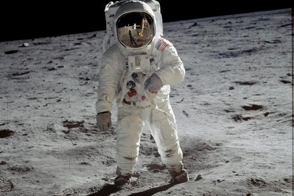 Oui des hommes ont bien marché sur la Lune, voici quatre preuves irréfutables Sans_t19