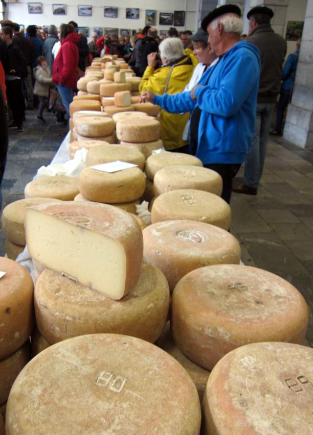La foire au fromage de Laruns 2018 - Page 2 Img_7214