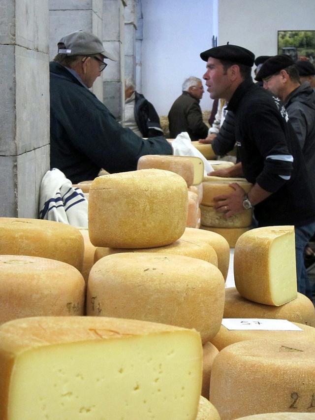 La foire au fromage de Laruns 2018 - Page 2 Img_7215