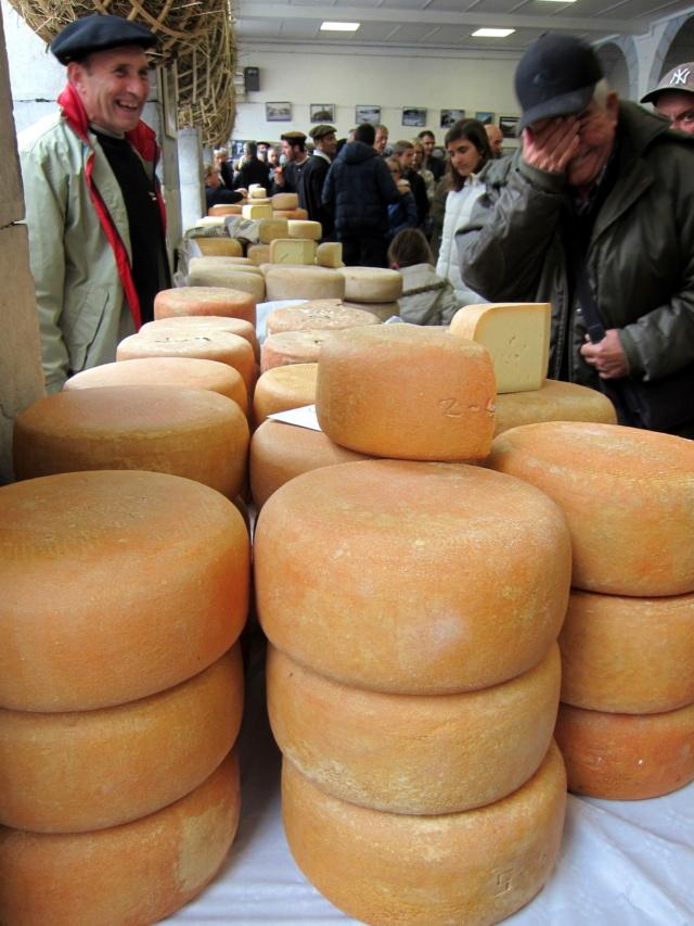 La foire au fromage de Laruns 2018 - Page 2 Img_7216