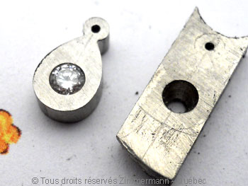 B.O. Palladium, saphir cabochon 3 mm et diamant de 8/100 ct Bopabc20