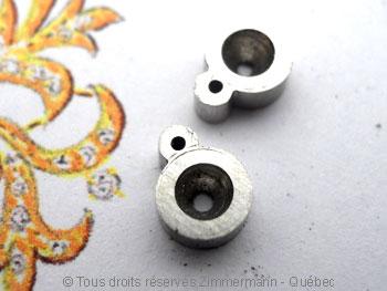 B.O. Palladium, saphir cabochon 3 mm et diamant de 8/100 ct Bopabc25