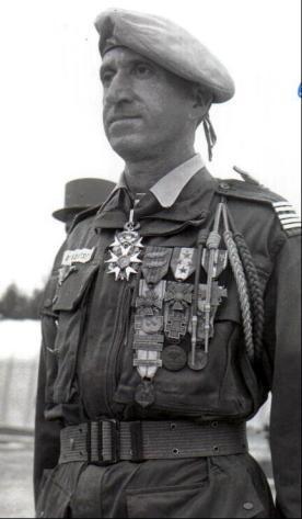 Général Paul Aussaresses Aussar10