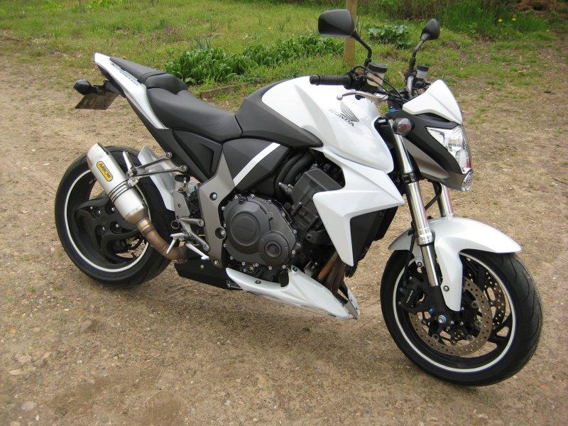 CB1000R blanc baisse du prix à 5300€ Img_2711