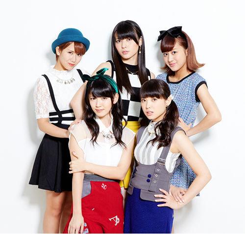23rd single: Tokai no hitorigurashi/Aitte Motto Zanshin C_ute_10