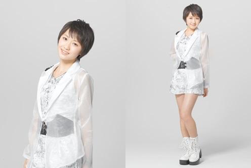 55th single: Egao no Kimi wa Taiyo sa / Kimi no Kawari wa Iyashinai / What is Love? Kudou10