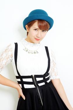 23rd single: Tokai no hitorigurashi/Aitte Motto Zanshin Okai_010