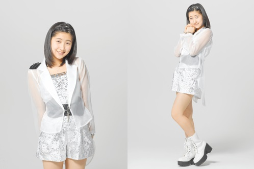 55th single: Egao no Kimi wa Taiyo sa / Kimi no Kawari wa Iyashinai / What is Love? Satou10