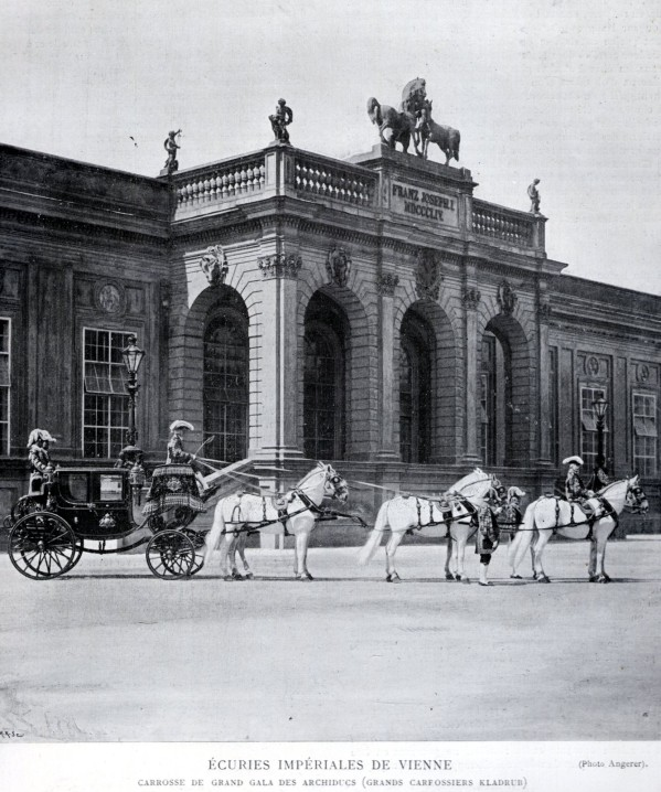 Les carrosses et les calèches impériaux Carros12