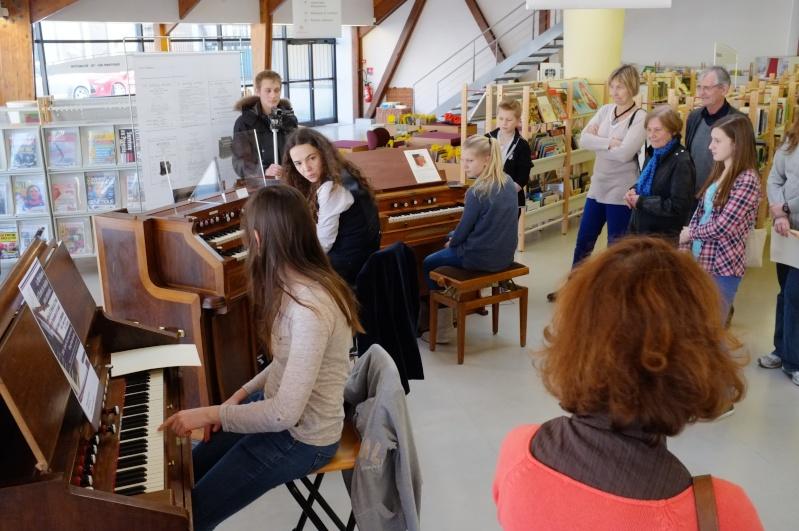 RUNGIS  expo et concert  a la MERIDIENNE : L'HARMONIUM  en FEV et Mars Dscf1211