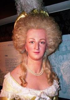 Marie Antoinette, chez Madame Tussaud - Page 2 Boudoi76