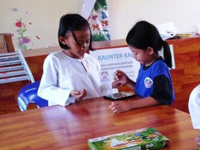 Murid-murid membaca di PSS sekolah Img-2245