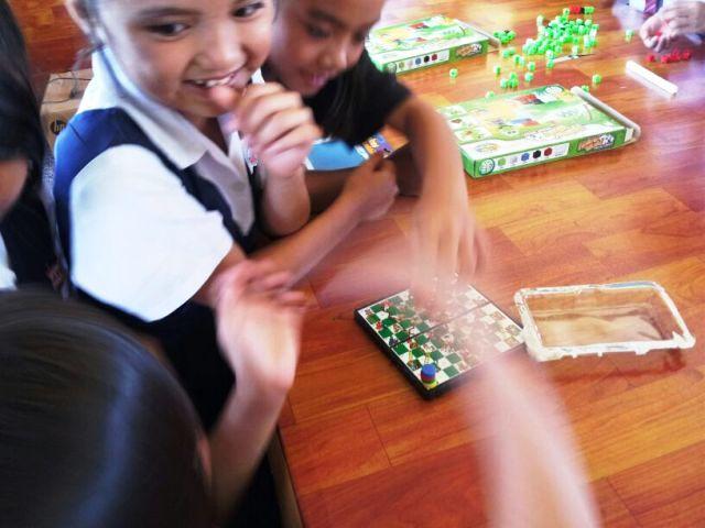 Murid-murid membaca di PSS sekolah Img-2249