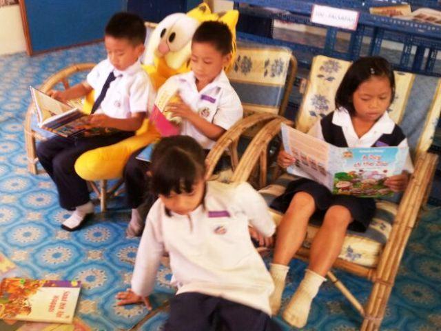 Murid-murid membaca di PSS sekolah Img-2252