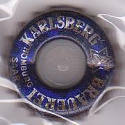 Vielle capsule avec un trou  Karlsb10