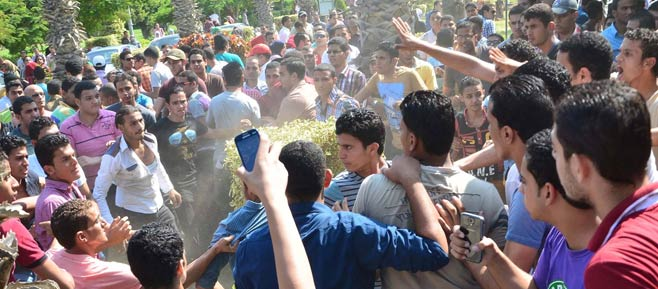 """طلاب """"الارهابية"""" يقتحمون مبنى جامعة الأزهر Ramam410"""