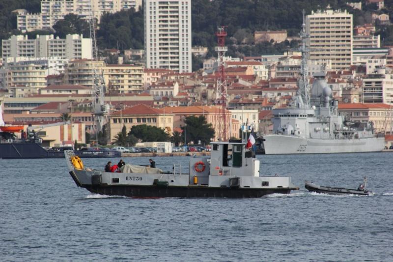 [Les ports militaires de métropole] Port de Toulon - TOME 1 - Page 6 Img_1414