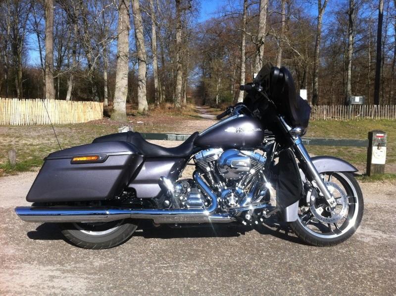 combien de STREET GLIDE  sur le forum Passion-Harley - Page 5 Img_2211
