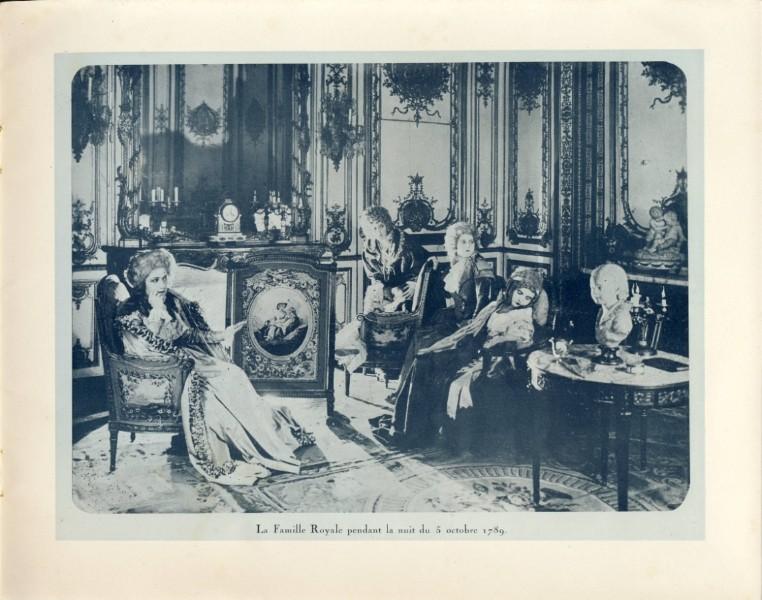 Marie-Antoinette à travers le cinéma - Page 17 241_2_10