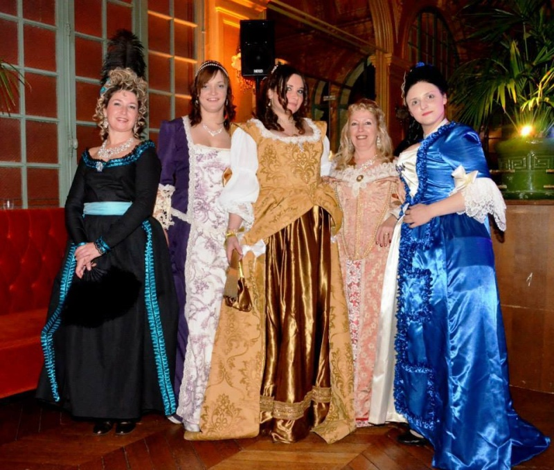 Bal des Favorites le 23 novembre 2013, les PHOTOS - Page 7 14534210