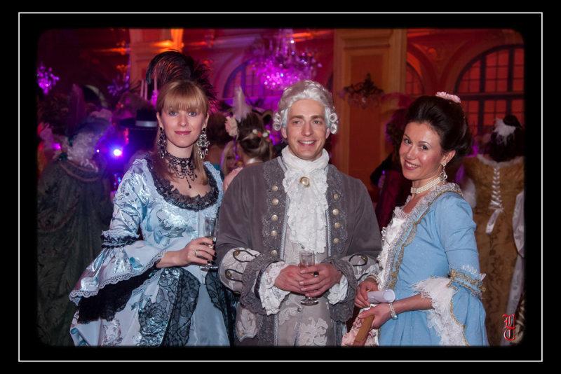 Bal des Favorites le 23 novembre 2013, les PHOTOS 15352318