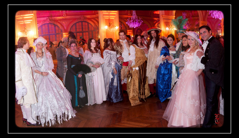Bal des Favorites le 23 novembre 2013, les PHOTOS 15352320