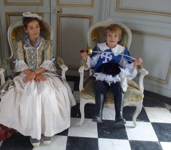 Les enfants au Bal de Versailles P1030010