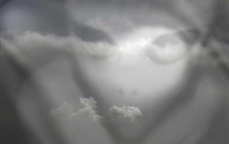 37 - Les nuages..... photos reçues  - Page 6 Ufo-es10