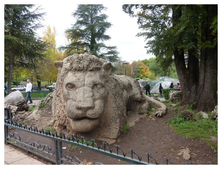 LE LION D'IFRANE Escan_74