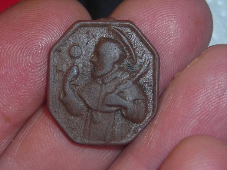 Médaille octogonale - ND de la Merced/St-Raymond-Nonnat - antérieure à 1657 Dscn3410