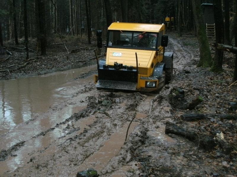 unimog mb-trac wf-trac pour utilisation forestière dans le monde - Page 30 16839810