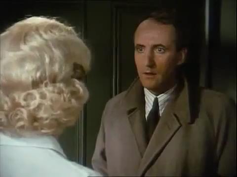 """Série """"Hercule Poirot"""" - Page 7 Vlcsna29"""