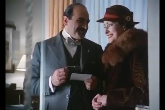 """Série """"Hercule Poirot"""" - Page 7 Vlcsna37"""