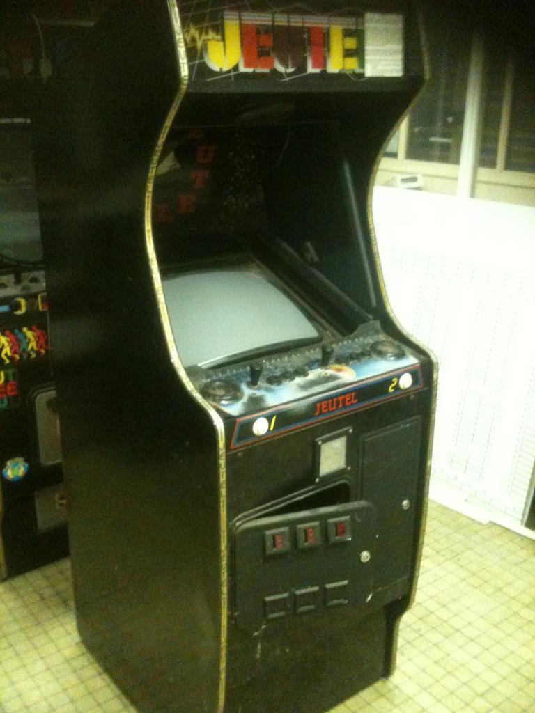 Arcade power ( Maxxx69 le grand fou ^^ )  Bornes12