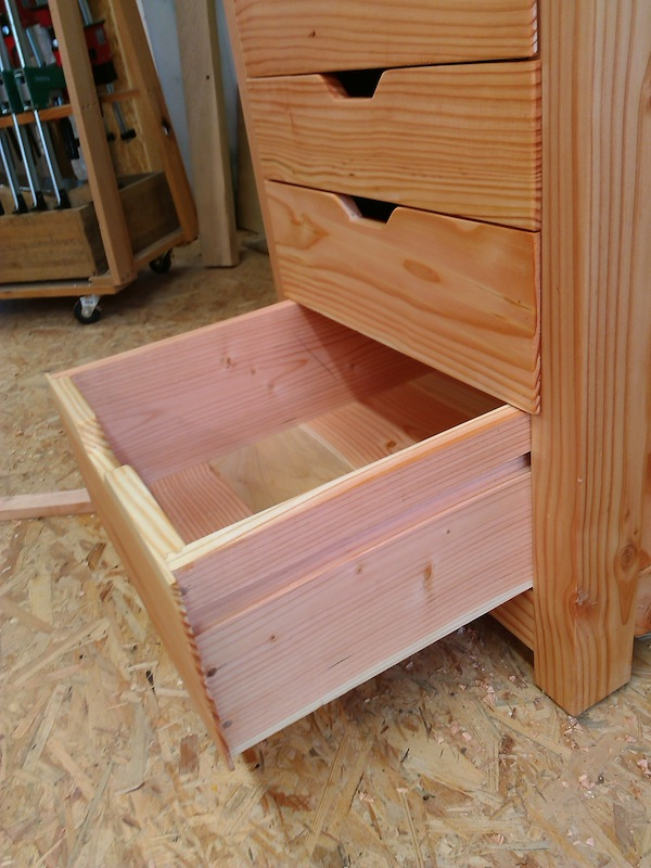 Petit meuble support perceuse Meuble12