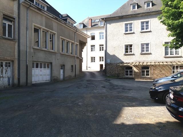 Bouillon - Parking Sépulcrines rue du Collège - NOUVEAU : BARRE DE HAUTEUR 2.2 M 20180615