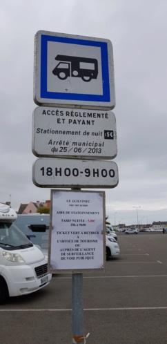 Le Guilvinec - Aire de stationnement et services 20190744