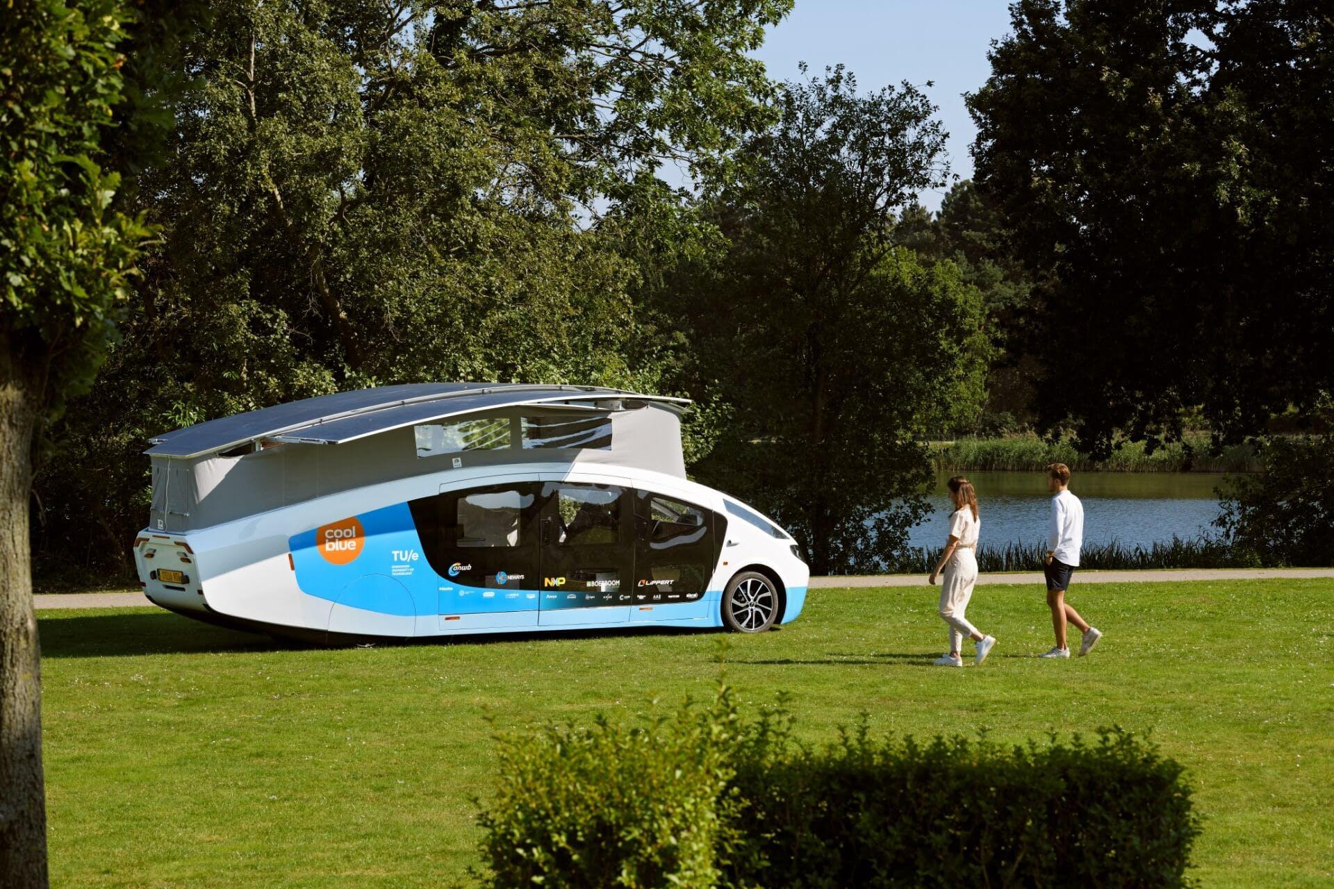 Stella Vita: le camping-car solaire C7b5d310
