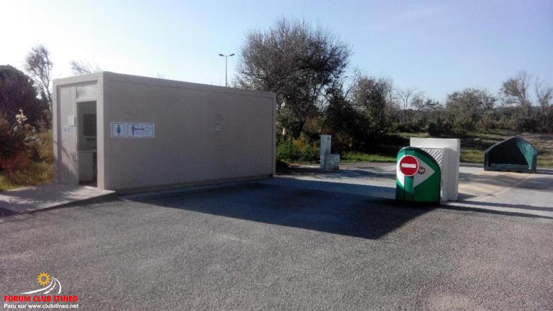 Narbonne Plage - Aire de stationnement et services Img_2029