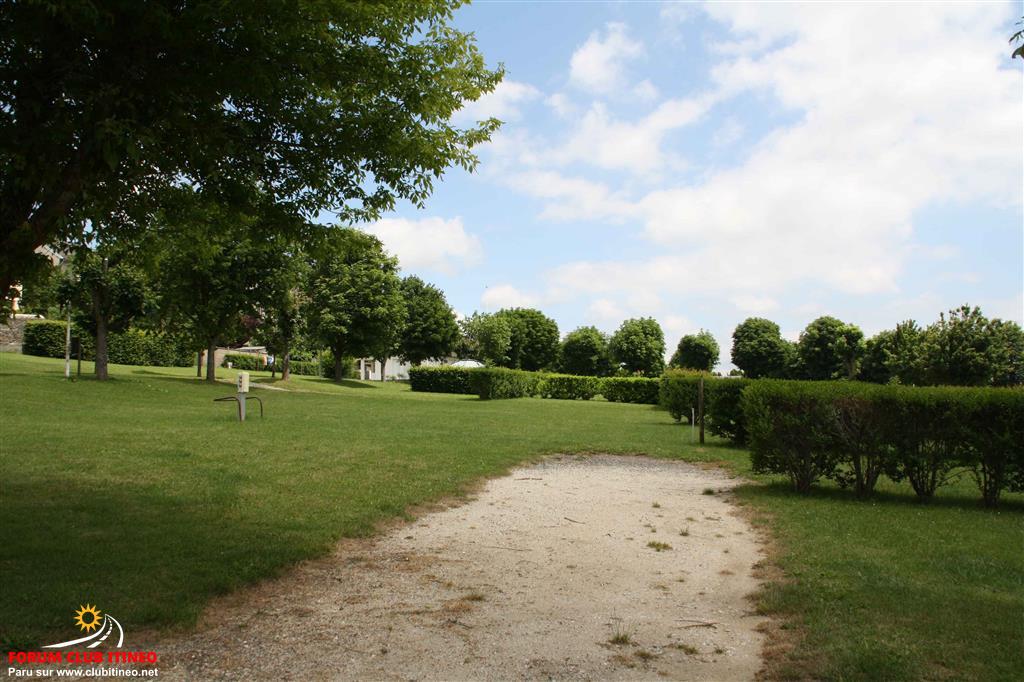 """Saint-Flour - Camping """"les Orgues"""" ✿✿ Stflou13"""
