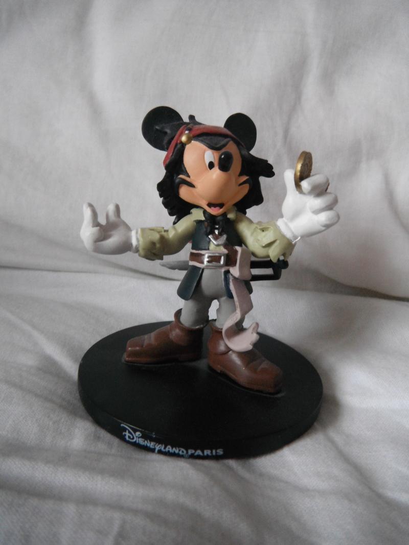Figurine résine Disneyland paris Mickey Sparrow Dscf6039