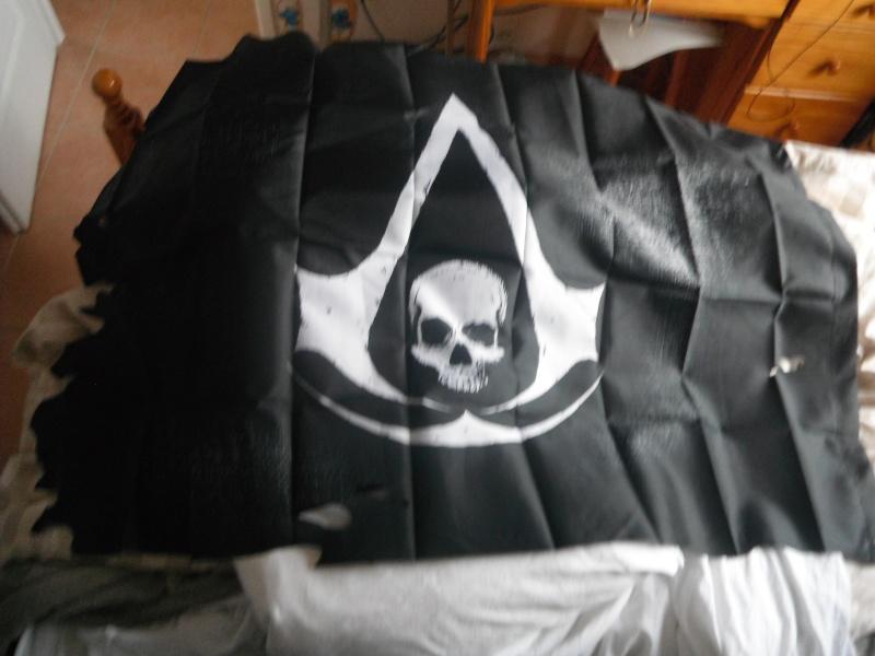 Produits dérivés Assassin's Creed 4 Dscf6052