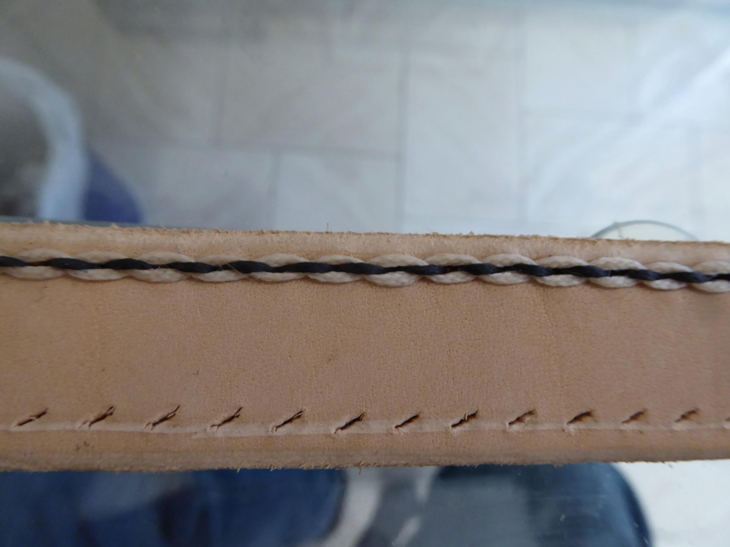 Etui pour couteau pliant en cuir moulé - Page 2 P1010820