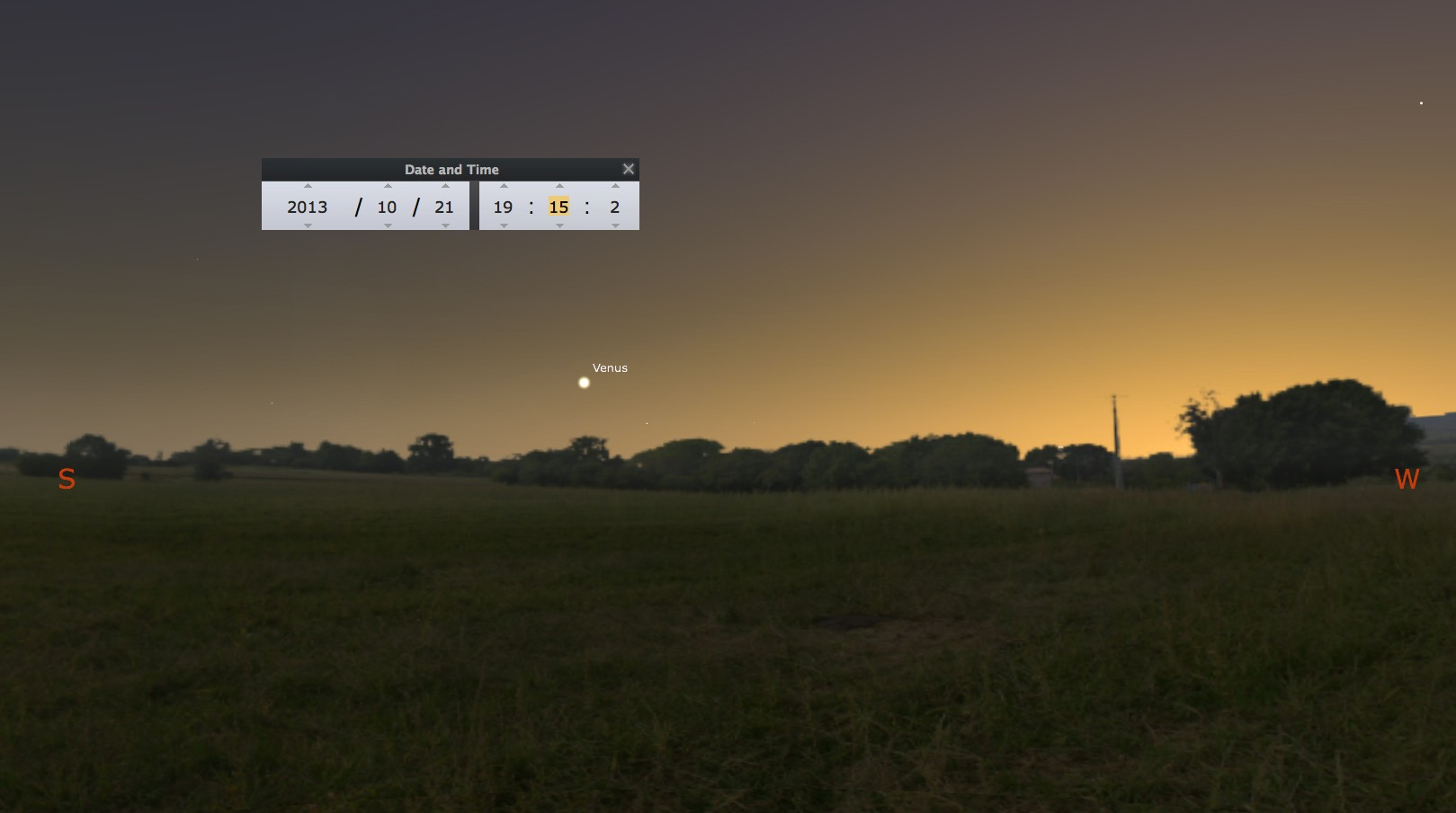 2013: le 21/10 à 19h15 - Boules lumineuses oranges - village - Somme (dép.80) Venus-10