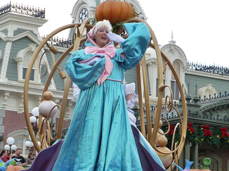 La magie de WDW a Noël - Page 2 Parade28