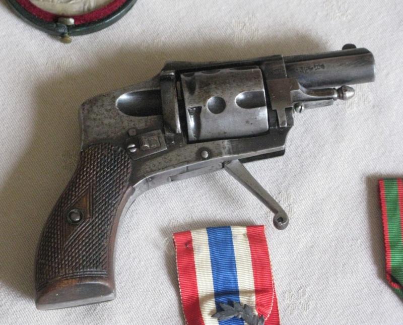 Divers revolvers fin 19ème Img_6010