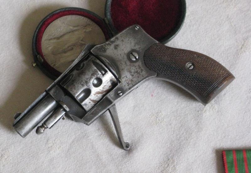 Divers revolvers fin 19ème Img_6011