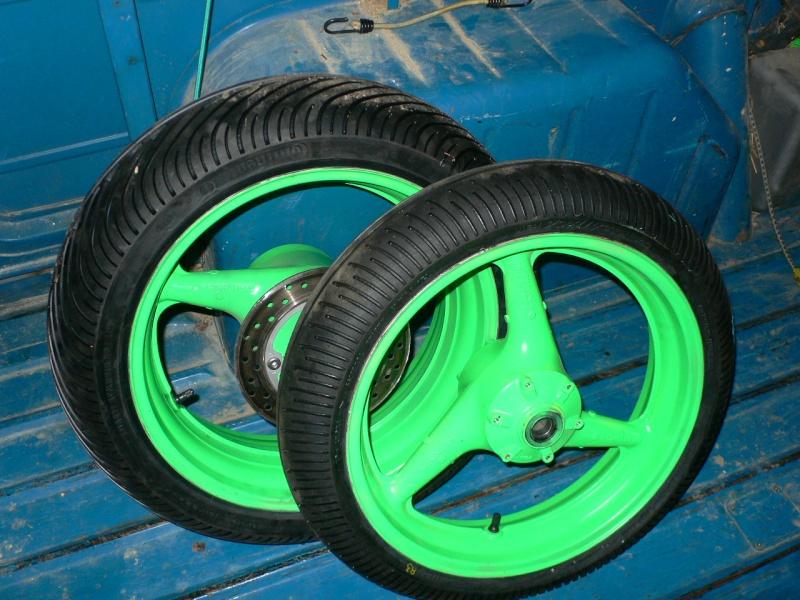 jantes av/ar avec pneus pluie  P1090013