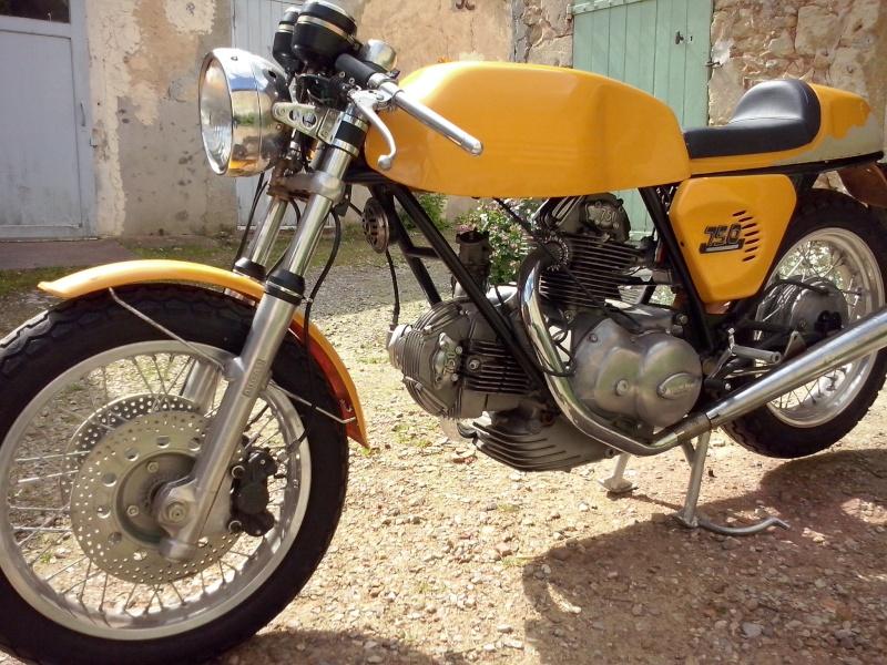 Ducati Twins à Couples Coniques : C'est ICI - Page 9 Cam00211