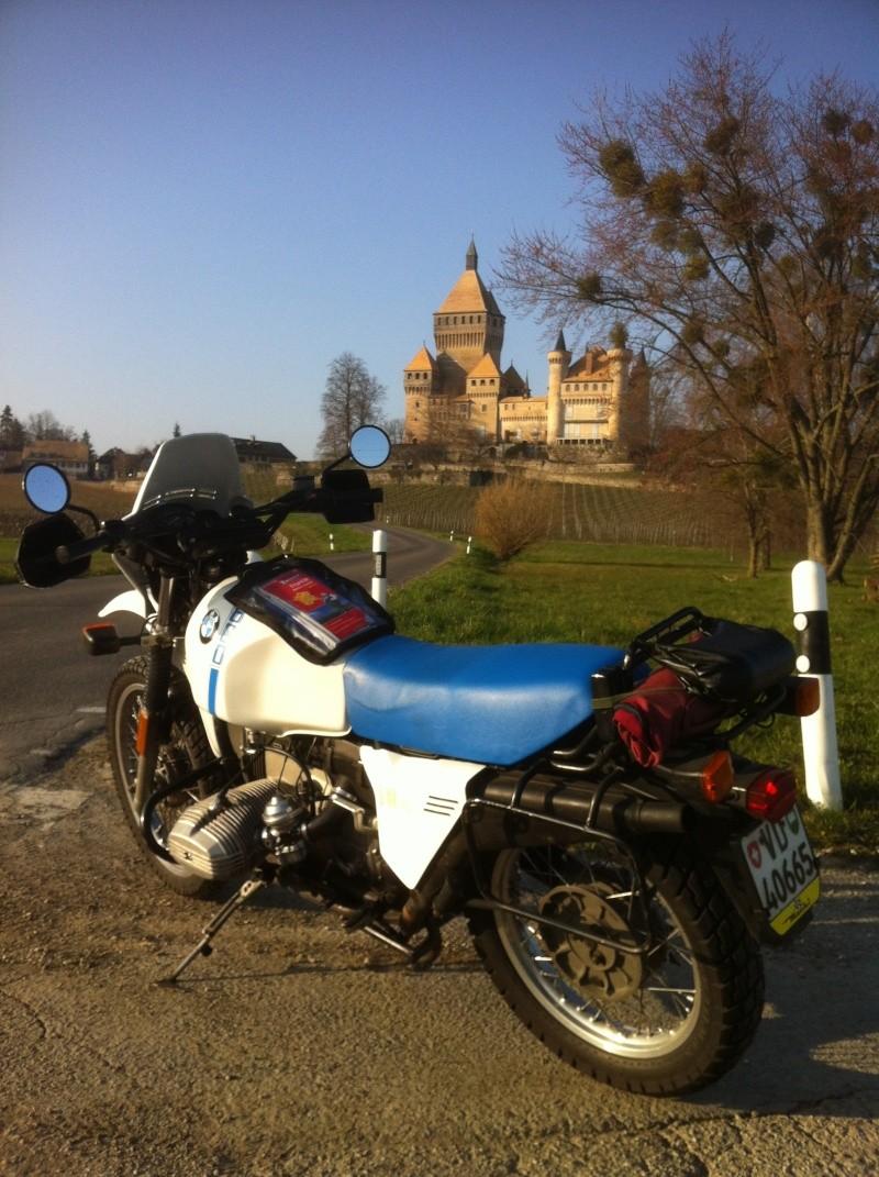 Photos de vous et de votre moto devant ....un château  - Page 5 Img_1915